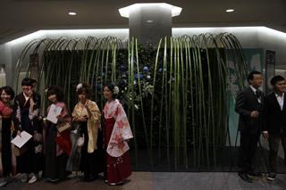 祝花オブジェ・徳島大学:平成23年度卒業式・修了式